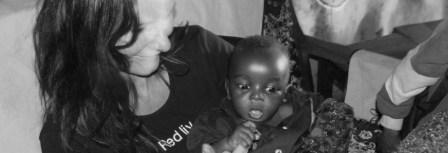 Tina-med-baby-i-Tanzania