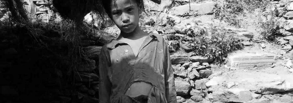 Suntali blev fundet i en øde egn overladt til sig selv og sine søskende